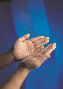 Opengevouwen handen